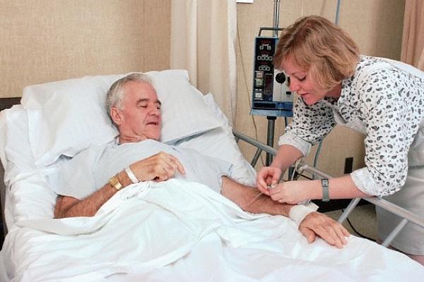 полагается ли больничный по уходу за онкобольным